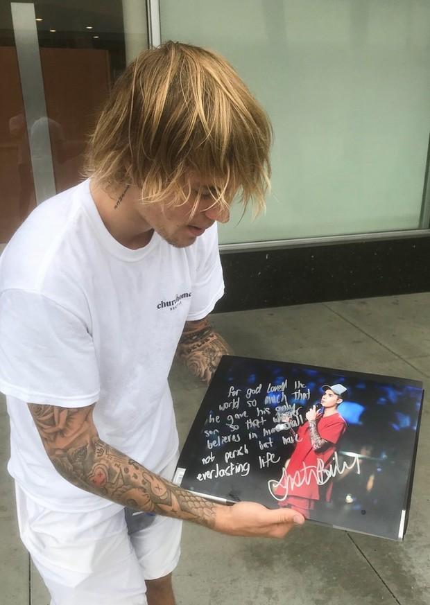 Từ đầu tóc đến áo quần, Justin Bieber đã đạt đến cảnh giới cao nhất của sự bô nhếch rồi đây - Ảnh 2.
