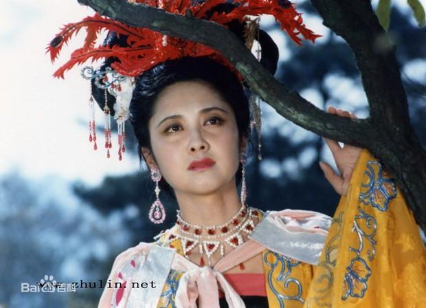 """Đệ nhất mỹ nhân """"Tây Du Ký"""": Nữ vương Nữ Nhi Quốc đẹp rạng ngời dù đã vào tuổi 66 - Ảnh 1."""