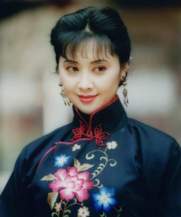 """Đệ nhất mỹ nhân """"Tây Du Ký"""": Nữ vương Nữ Nhi Quốc đẹp rạng ngời dù đã vào tuổi 66 - Ảnh 3."""