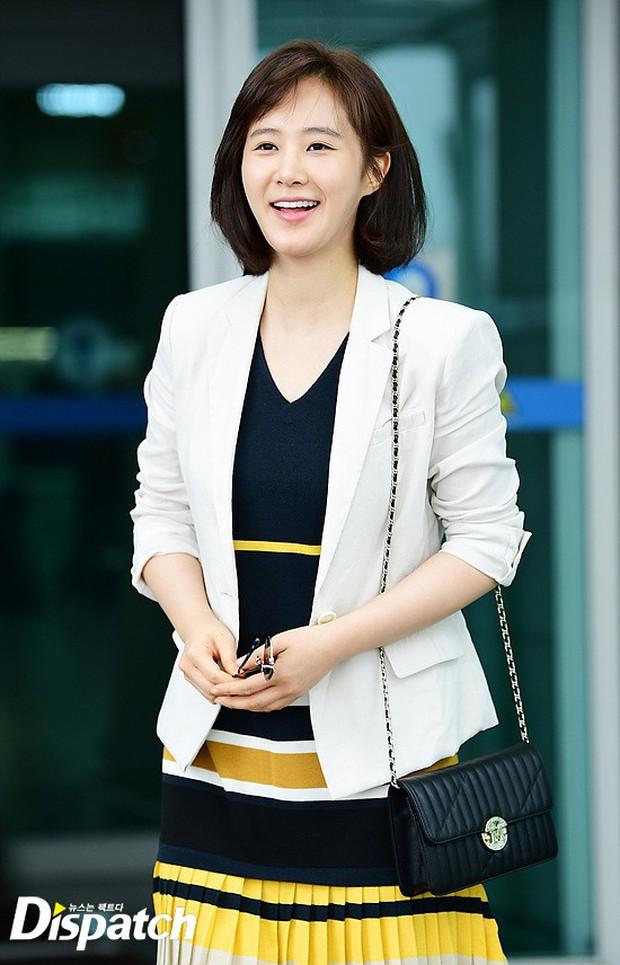 3 sao nữ hạng A xứ Hàn đổ bộ sân bay: Suzy diện đồ thùng thình vẫn đẹp là thế, Yuri lại xuống sắc già nua khó tin - Ảnh 13.