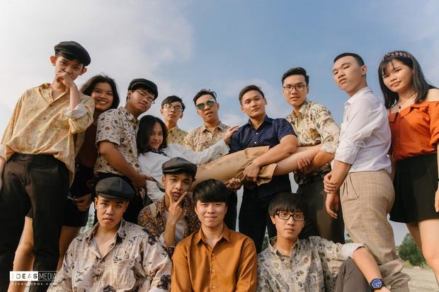 HS trường Trưng Vương Sài Gòn chụp ảnh kỷ yếu theo phong cách Phía trước là bầu trời - Ảnh 5.