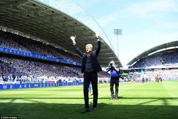 Tổng kết Premier League 2017/18: Man City vô địch với 100 điểm kỷ lục - Ảnh 3.