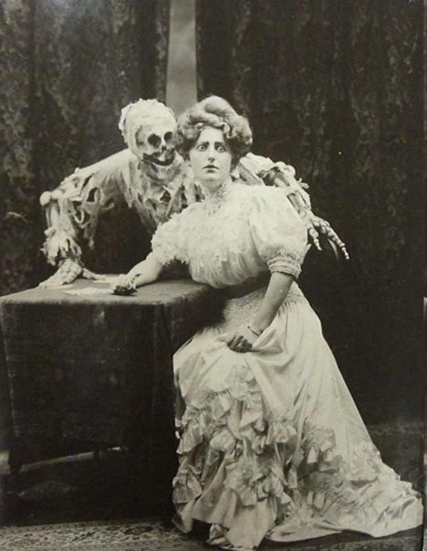 100 năm trước đây là những tấm ảnh bình thường, còn bây giờ càng nhìn càng thấy rùng rợn khó tả - Ảnh 12.