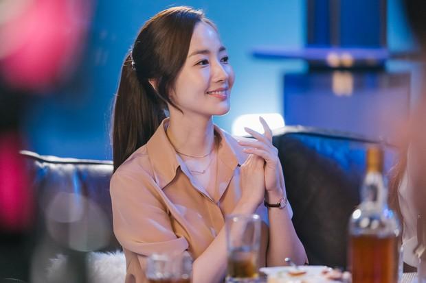 Còn lâu mới chiếu, phim mới của Park Seo Joon - Park Min Young đã gây sốt vì thời trang quá đẹp - Ảnh 13.