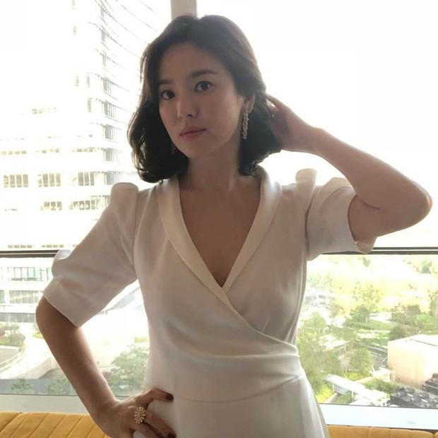 Song Hye Kyo tại sự kiện hôm nay: Chưa cần ảnh HD căng đét đã đẹp khó tin đến nhường này - Ảnh 13.