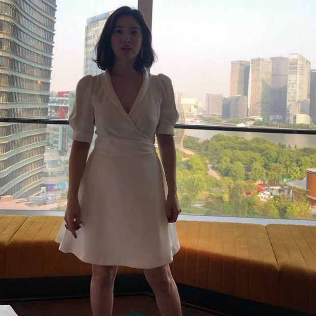 Song Hye Kyo tại sự kiện hôm nay: Chưa cần ảnh HD căng đét đã đẹp khó tin đến nhường này - Ảnh 14.