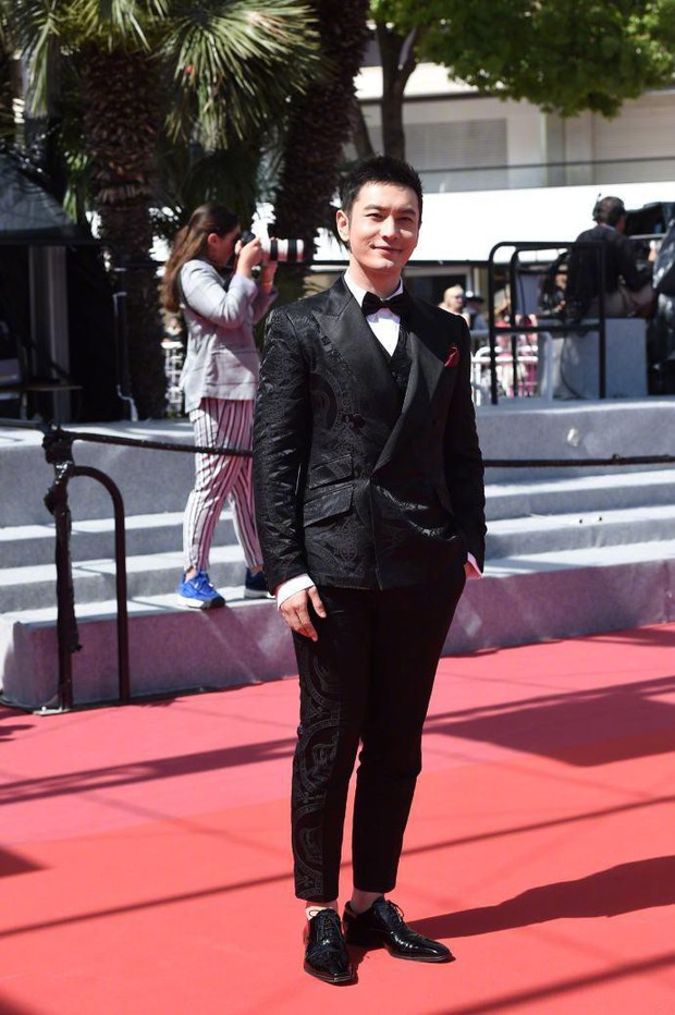 Thảm đỏ Cannes: Sao vô danh cosplay Michael Jackson, Jessica Jung ngốt ngát bên dàn siêu mẫu hạng A hở bạo - Ảnh 11.