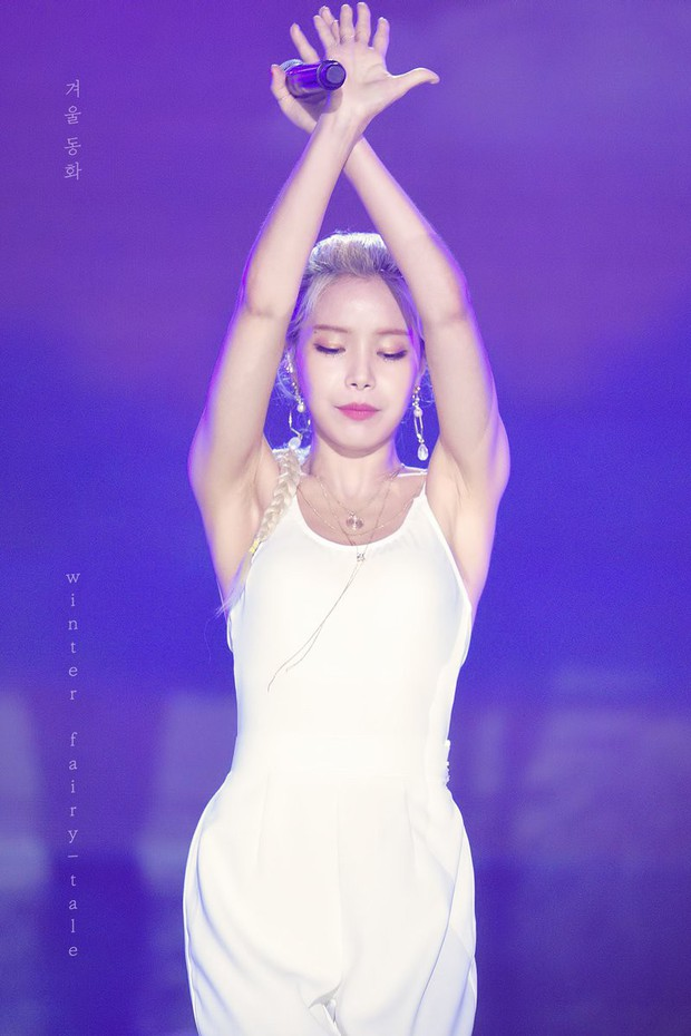 Thần thái đỉnh đã đành, idol nữ này còn gây sốt với body như được chạm khắc bởi các thiên thần - Ảnh 1.