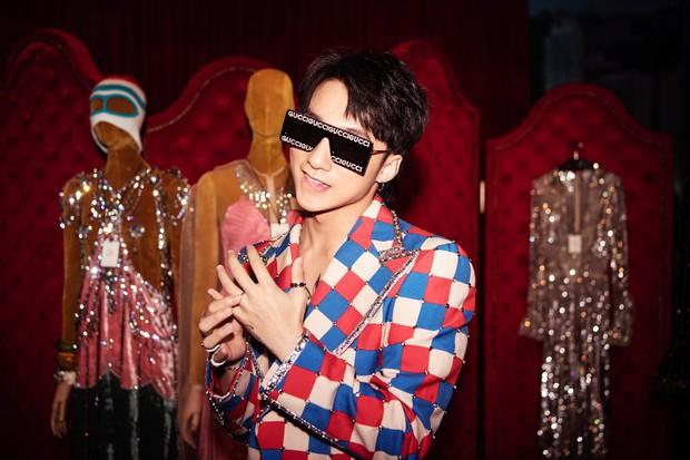 Chưa ấm chỗ với MV mới, Sơn Tùng đã vi vu qua tận Hong Kong để dự triển lãm của Gucci - Ảnh 5.
