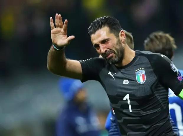Đội hình ngôi sao khiến fan tiếc nuối vì vắng mặt ở World Cup 2018 - Ảnh 1.