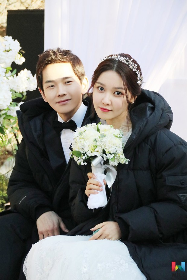Không tin nổi trước khuôn mặt sưng vù sần sùi mụn, biến đổi chóng mặt của Sooyoung (SNSD) chỉ sau 2 tháng - Ảnh 6.