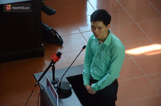 Thay đổi bất ngờ sau 1 đêm trong phiên xét xử bác sĩ Hoàng Công Lương - Ảnh 3.