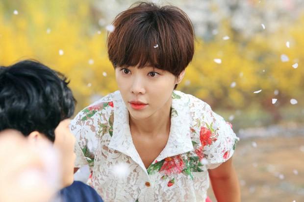 Nữ hoàng nhân bản vai Hwang Jung Eum sắp trở lại: 4 vai liên tiếp đều y hệt nhau, không phân biệt nổi! - Ảnh 3.