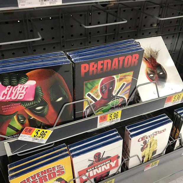 Trà trộn vào siêu thị, thiên hạ đệ nhất lầy Deadpool đồng hoá bìa đĩa cả một khu kệ - Ảnh 4.