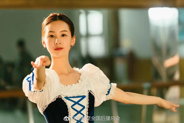 """""""Tiểu Hy"""" Thẩm Nguyệt và """"hoa khôi"""" Trần Đô Linh: Ai nổi bật hơn trong """"Thất Nguyệt Và An Sinh""""? - Ảnh 6."""