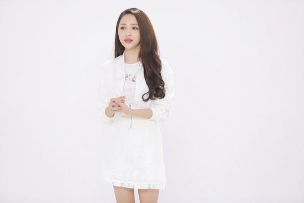 Clip: Xúc động với hình ảnh bụng bầu như thật của Hoa hậu Hương Giang - Ảnh 11.