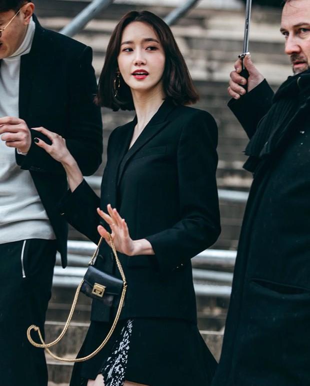 Gây bão vì như ông hoàng bà hoàng ở Paris từ tháng 3, Yoona và Minho ém kỹ giờ mới tung hình tạp chí - Ảnh 7.