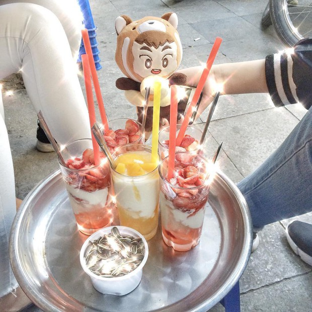Ở phố cổ Hà Nội, thèm ăn sữa chua mix đủ kiểu thì đừng bỏ qua những địa chỉ này - Ảnh 6.
