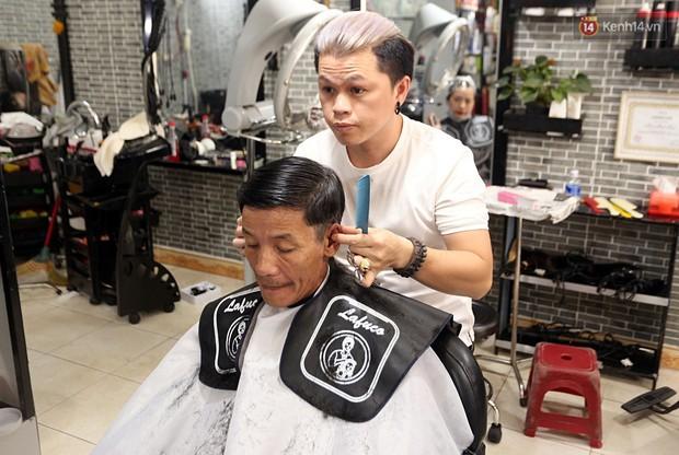 Chủ tiệm cắt tóc miễn phí cho người nghèo, khuyết tật ở Hội An: Tôi chạy ra giải thích và mời thì họ mới dám vào, thấy thương lắm! - Ảnh 8.