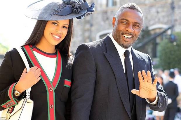 Loạt khoảnh khắc đẹp như mơ của vợ chồng Beckham và dàn sao Hollywood tại đám cưới Hoàng tử Harry - Ảnh 15.