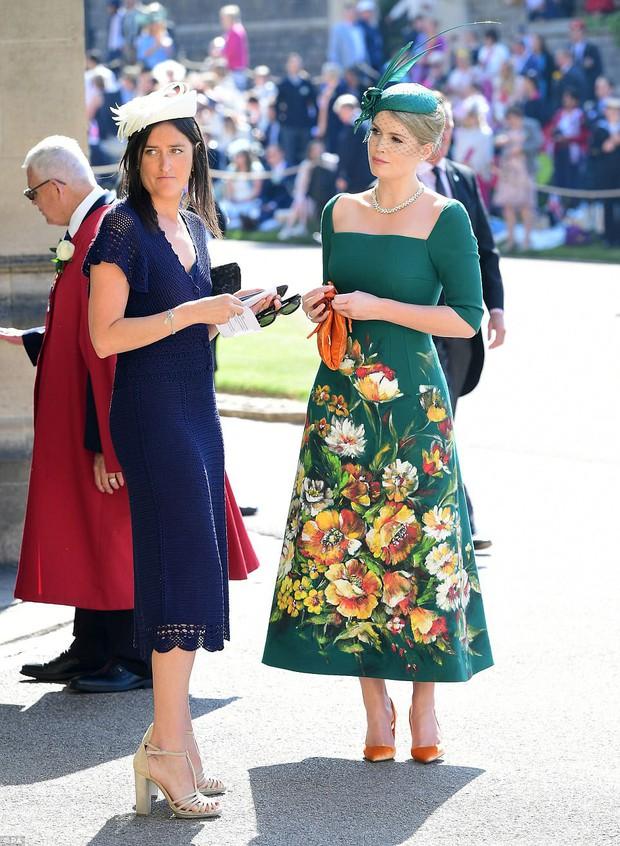 Khách mời hoàng thân đốn tim dân tình trong đám cưới Hoàng tử Harry hóa ra còn là nàng thơ của Dolce&Gabbana - Ảnh 2.