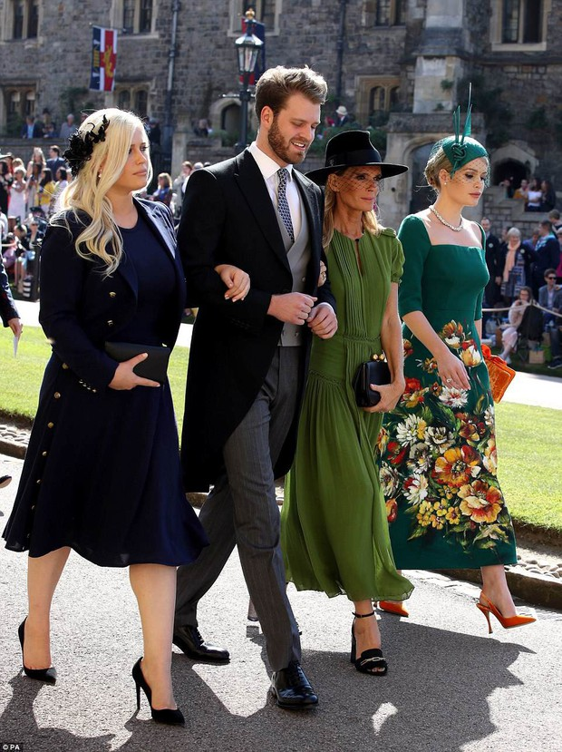Khách mời hoàng thân đốn tim dân tình trong đám cưới Hoàng tử Harry hóa ra còn là nàng thơ của Dolce&Gabbana - Ảnh 3.