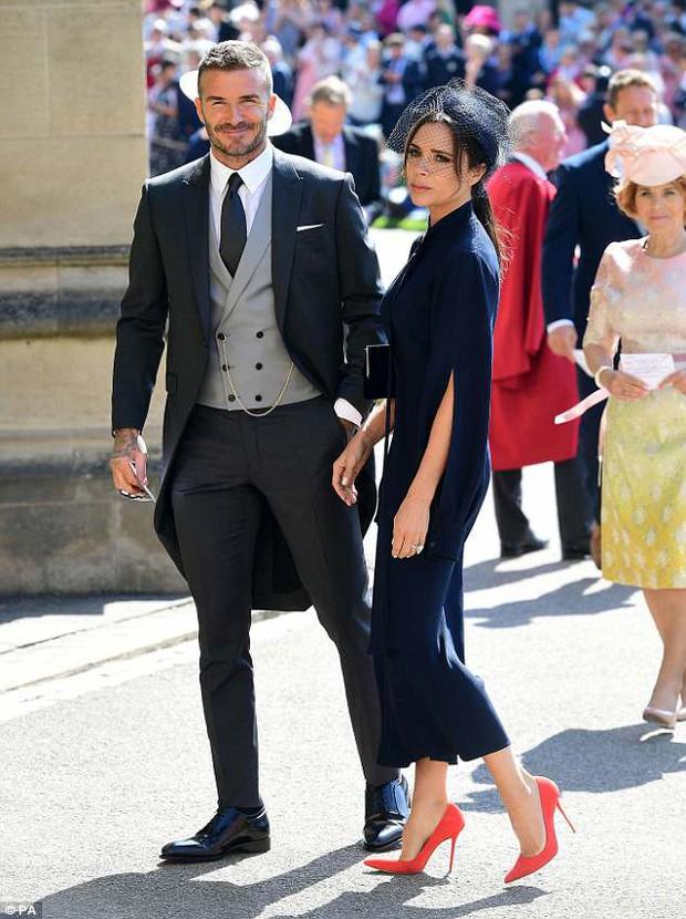 Loạt khoảnh khắc đẹp như mơ của vợ chồng Beckham và dàn sao Hollywood tại đám cưới Hoàng tử Harry - Ảnh 3.