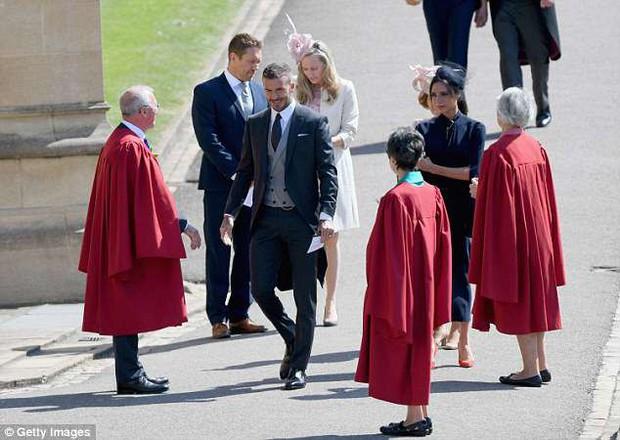Loạt khoảnh khắc đẹp như mơ của vợ chồng Beckham và dàn sao Hollywood tại đám cưới Hoàng tử Harry - Ảnh 6.