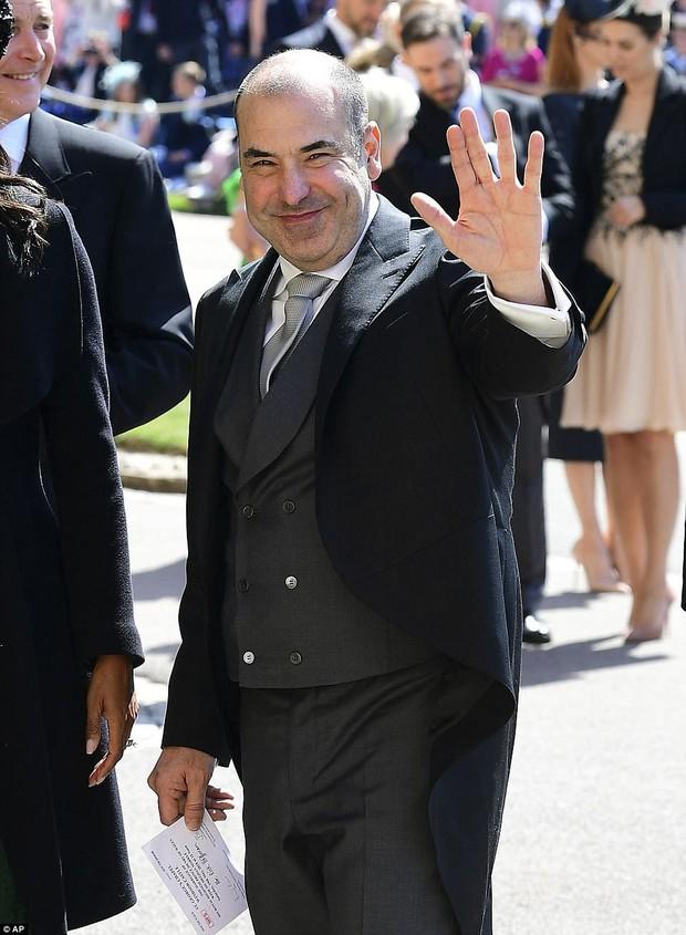 Loạt khoảnh khắc đẹp như mơ của vợ chồng Beckham và dàn sao Hollywood tại đám cưới Hoàng tử Harry - Ảnh 24.