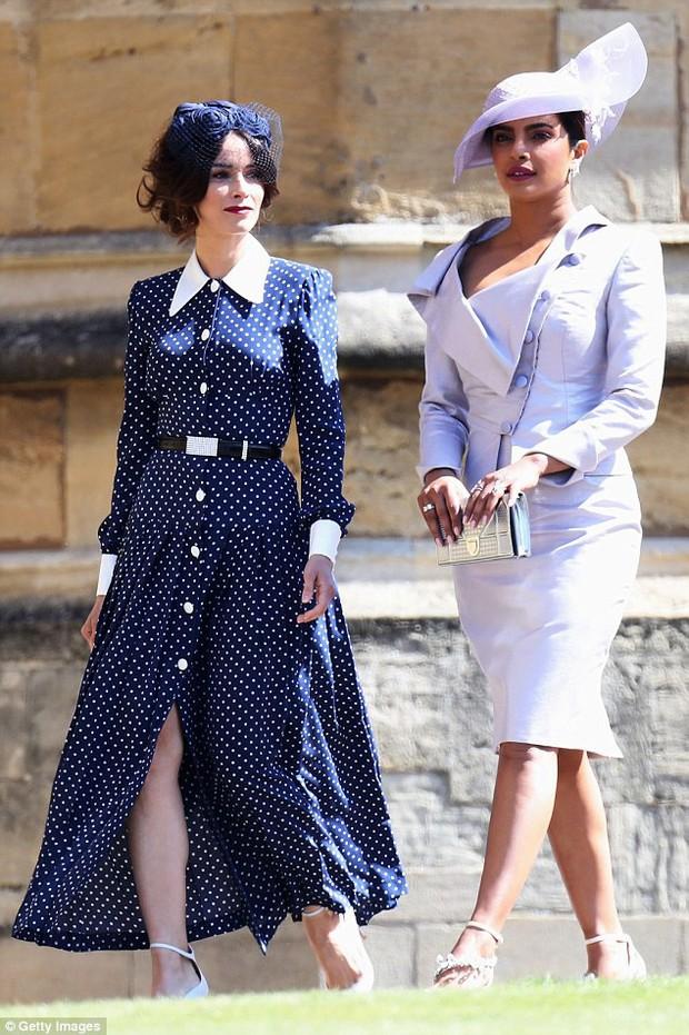 Loạt khoảnh khắc đẹp như mơ của vợ chồng Beckham và dàn sao Hollywood tại đám cưới Hoàng tử Harry - Ảnh 19.