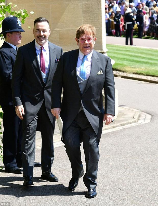 Loạt khoảnh khắc đẹp như mơ của vợ chồng Beckham và dàn sao Hollywood tại đám cưới Hoàng tử Harry - Ảnh 13.
