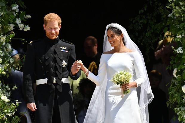 Rần rần trước loạt chi tiết trùng khớp giữa đám cưới Hoàng Gia Anh và hôn lễ thế kỷ của Song Song - Ảnh 13.
