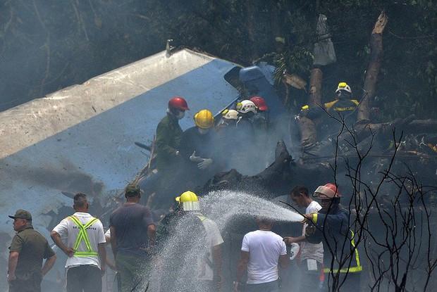 Vụ rơi máy bay Cuba: Xác máy bay vương vãi, hành khách thiệt mạng gần hết - Ảnh 2.