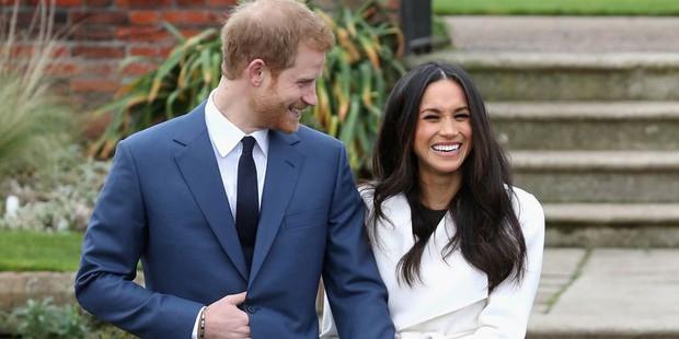 7 con số ấn tượng về đám cưới Hoàng gia Anh: Từ 3 viên kim cương trên nhẫn đính hôn cho tới chiếc váy cưới tiền tỷ - Ảnh 5.