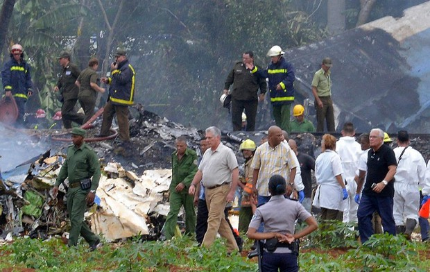 Ảnh: Hiện trường vụ rơi máy bay chở hơn 100 người ở Cuba - Ảnh 4.