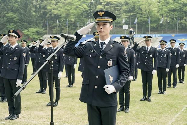 Đến Ôm Em: Phim bi hấp dẫn chỉ xem 20 phút là hiểu vì sao Suzy - Nam Joo Hyuk từ chối - Ảnh 6.