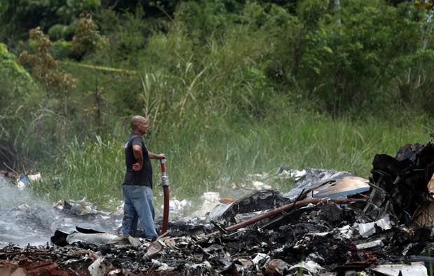 Ảnh: Hiện trường vụ rơi máy bay chở hơn 100 người ở Cuba - Ảnh 6.