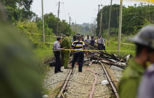 Ảnh: Hiện trường vụ rơi máy bay chở hơn 100 người ở Cuba - Ảnh 8.