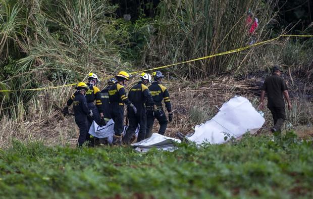 Ảnh: Hiện trường vụ rơi máy bay chở hơn 100 người ở Cuba - Ảnh 10.