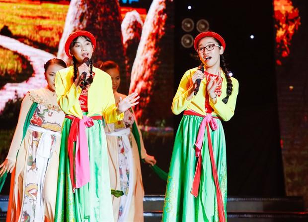 Huỳnh Lập tái hiện trích đoạn Tấm Cám, tát Nguyên Khang lăn quay trên sân khấu - Ảnh 15.