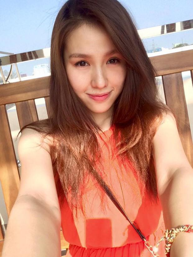 Hạnh phúc ngọt ngào của mẹ trẻ xinh như hot girl, từ bỏ công việc tốt để ở nhà chăm sóc chồng con - Ảnh 1.