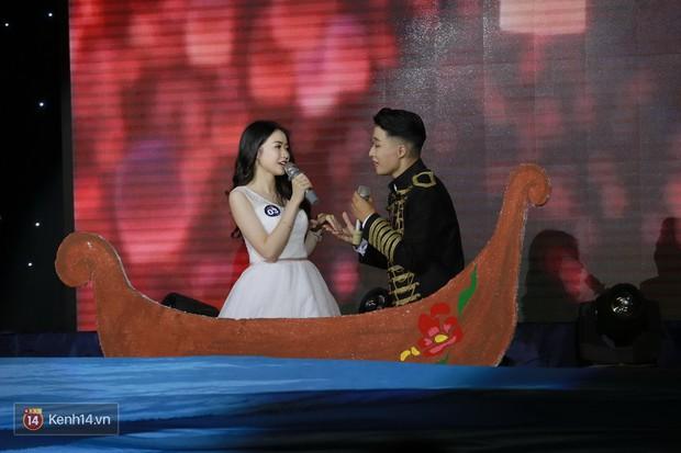Cặp đôi trai tài gái sắc đăng quang Nam vương và Hoa khôi của HV Tài chính - Ảnh 6.