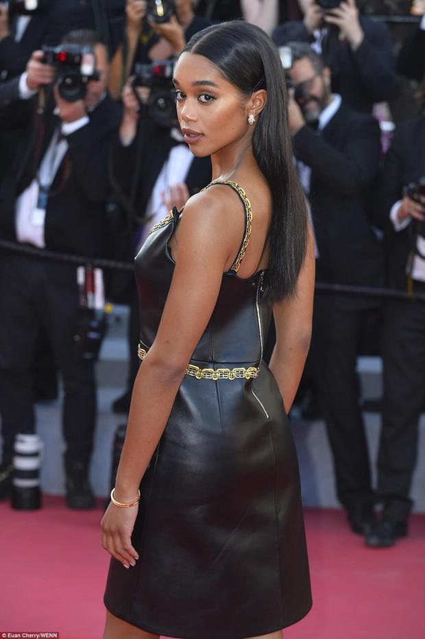 Thảm đỏ bế mạc LHP Cannes: Kristen lộ quầng thâm kém sắc, người đẹp Pháp khoe vòng 1 chiếm hết sự chú ý - Ảnh 11.