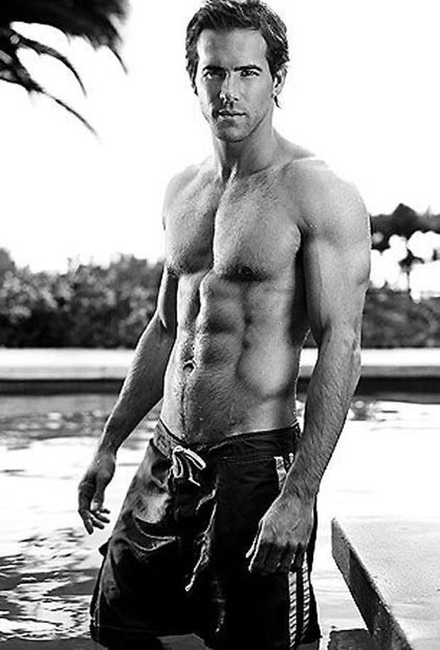 Trong Deadpool mặc kín thế, nhưng mỗi khi Ryan Reynolds cởi áo ra thì ai cũng phải mất máu! - Ảnh 28.