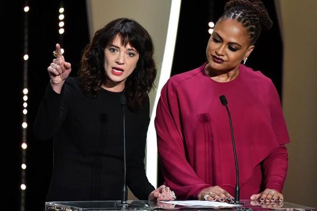 Lễ bế mạc Cannes 2018 khép lại bằng bài diễn văn #MeToo gây rúng động của nữ đạo diễn Ý từng bị cưỡng bức - Ảnh 6.