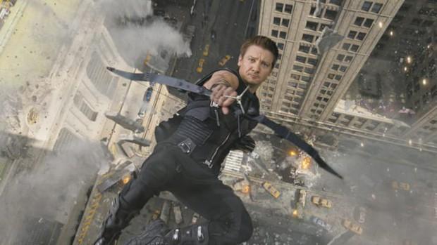 10 trò đùa mặn nhất Deadpool 2: Đá xoáy từ Marvel đến DC không sót một ai! - Ảnh 4.