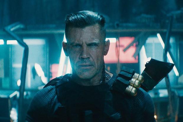 10 trò đùa mặn nhất Deadpool 2: Đá xoáy từ Marvel đến DC không sót một ai! - Ảnh 15.
