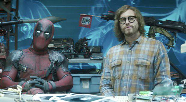 10 trò đùa mặn nhất Deadpool 2: Đá xoáy từ Marvel đến DC không sót một ai! - Ảnh 17.