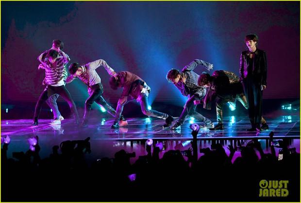 Chùm ảnh: Những khoảnh khắc đẹp ná thở từ sân khấu comeback lịch sử của BTS tại Billboard Music Awards 2018 - Ảnh 18.