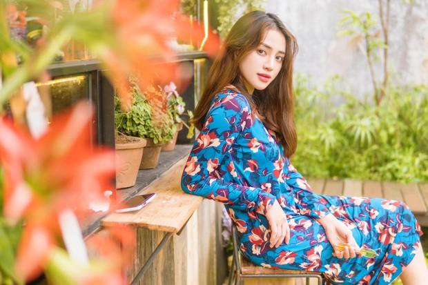 Bị fan bình luận photoshop đến mức không nhận ra, Thiên Nga hỏi ngược lại Ủa chứ chị chưa đủ đẹp sao em?  - Ảnh 1.